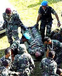 langkawi airshow army paratrooper injured 031207