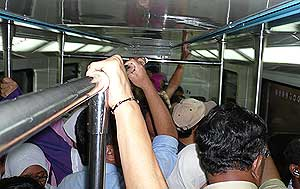 komuter passengers