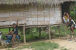 kampung orang asli sungai tesong 120208 children