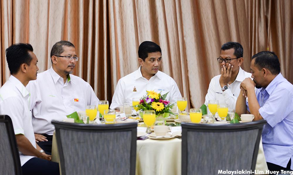 Image result for pertemuan azmin ali exco PAS