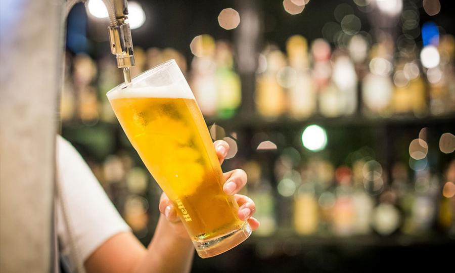 Malaysiakini - Putrajaya revokes approvals for Heineken, Carlsberg ...