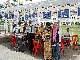 polling day 080308 bn pondok panas puteri umno