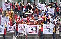umno selangor shah alam nep protest 190308 03