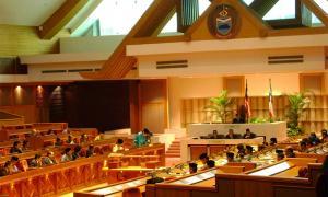 沙巴议会通过修宪,撤除州元首两届限制