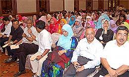 umno selangor najib muhyiddin event anti pak lah banners 160408 06