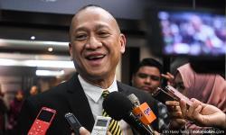 Nazri denies quitting Umno, blames tie-up with PAS for exodus