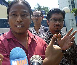 bersih police report indelible ink 220508 03