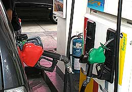 petrol price hike consumer interview 040608 01