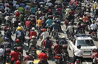 petrol price hike protest kg baru sogo 130608 07