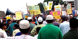 petrol price hike protest kg dato harun 060608 09