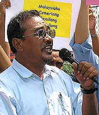petrol price hike protest kg dato harun 060608 03