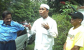 yahya sahri supporters anwar ibrahim office 250608 badrul amin