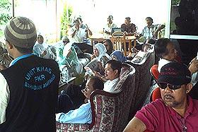 yahya sahri supporters anwar ibrahim office 250608 02