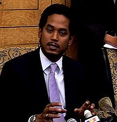 khairy jamaluddin parliament pc 230608 04