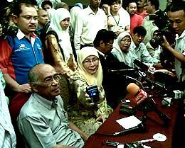 wan azizah pc on anwar sodomy saiful bukhari azlan allegations 290608 03