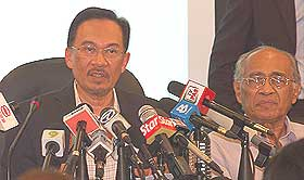 anwar ibrahim police report against igp and ag pc 010708 05