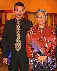 saiful bukhari azlan old images with ministers 290608 02