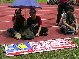 protes fuel price hike rally mppj stadium 070708 27