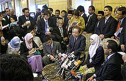 opposition pakatan rakyat parliament walkout pc 140708 02