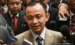 Opposition MPs must get permission to enter gov't schools - Maszlee