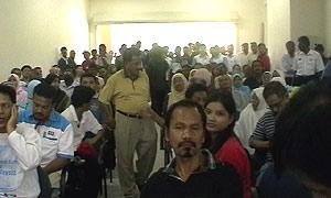 anwar meet supporters tropicana 190708 crowd