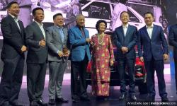 Dr M hopes Proton-Geely will produce 'truly Malaysian' car