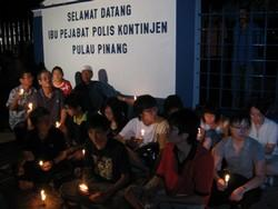 candle light vigil at penang ipk 120908 01.jpg