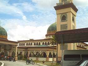 masjid azan loud speaker issue 120908 02