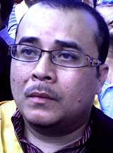 penang road sign dual language umno ngo files protest 041108 nik risman sapain