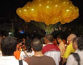 bersih 1st year anniversary pj vigil arrest 111108 singing negaraku