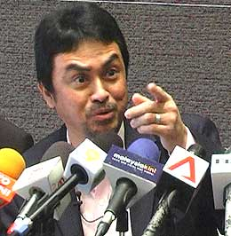 abdul razak baginda pc 201108 04