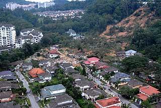 bukit anatarabangsa landslide pdrm aerial photographs 101208 01
