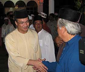 kuala terengganu by election najib visit razali house 140109 hishammuddin
