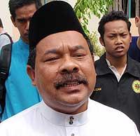 universiti malaya um pig head carcass found in surau mosque pc 160109 05