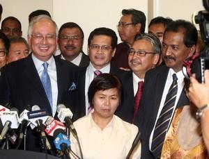 najib announce new bn perak state govt 040209 15