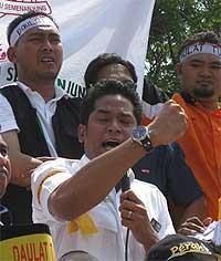 umno youth rally 090209 khairy 01