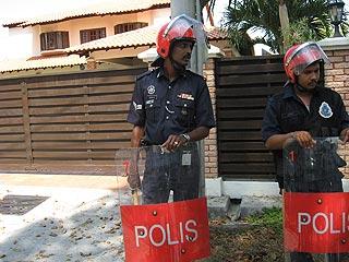umno youth demo against karpal singh penang 130209 11