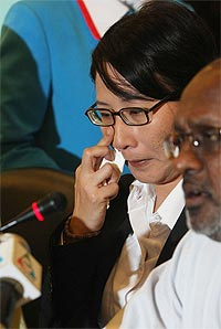 elizabeth wong press conference on her offer of resignation from selangor exco post 170209 03