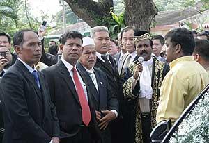 perak state govt crisis state adun assemble under the rain tree 030309