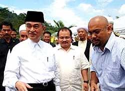 anwar and pak lah hulu langat meeting 100309 02