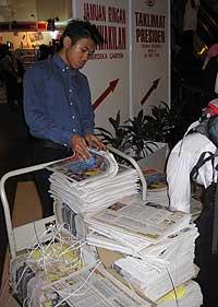 umno 2009 59th agm 240309 free utusan newspaper