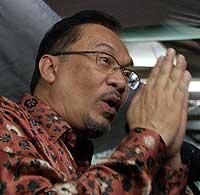 bukit gantang by election anwar ceramah 030409 01