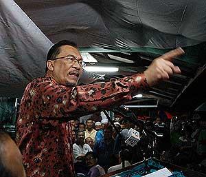 bukit gantang by election anwar ceramah 030409 03