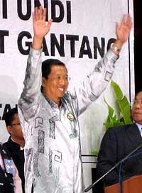 gantang by election 070409 pas nizar win result announce 04