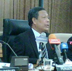 spr putrajaya penanti by election abdul aziz yusof 270409 02