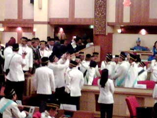 perak state assembly chaos in the assmbly between speakers and state reps 070509 02