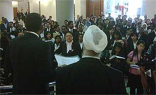 lawyers protest at jalan duta court 080509 02