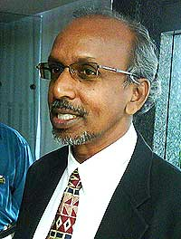 manoharan first visit to selangor state assembly building 110509 04