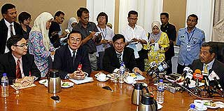 muhyiddin yassin meet with chinese association in malaysia 260509 02