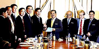 muhyiddin yassin meet with chinese association in malaysia 260509 01